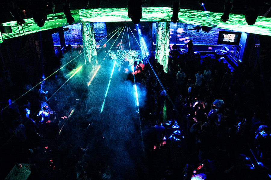 Dance to great DJs in New Orleans at the Metropolitan Nightclub