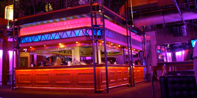 Metropolitan-Nightclub-New-Orleans-bar